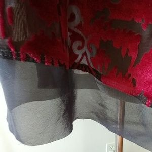 Simply Vera Vera Wang Tops - Simply Vera Vera Wang Top Red & Gray Size M
